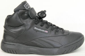 Reebok Exertion Mid fitness shoe in black