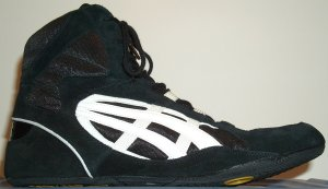 ASICS Counter wrestling shoe, black with white stripes