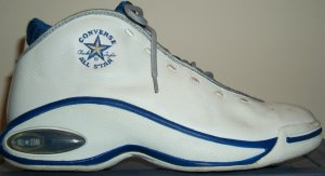 "Converse All Star ""Hall of Fame"": white shoe with blue trim"
