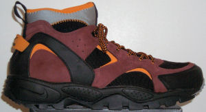 Nike Air Mowabb ACG hiking boot (black, reddish brown, orange)