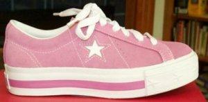 Converse One Star platform sneaker in pink with white star