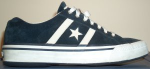 Converse Premium All Star in dark blue with an Achilles tendon notch